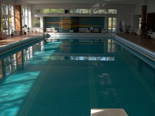 Hotel belvedere cluj napoca cazare hotel belvedere cluj for Hotel cu piscina