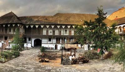 http://www.skytrip.ro/images/obiective/judet/Bucuresti/400x230/Hanul-lui-Manuc-20110227144220.jpg