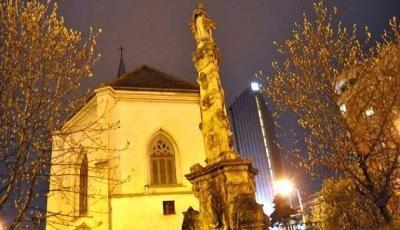 Statuia Fecioarei Maria din Cluj