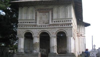 Biserica Sfantul Nicolae din Telesti
