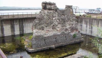 Ruinele Podului lui Traian