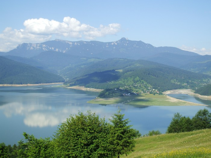 http://www.skytrip.ro/images/obiective/judet/Neamt/bigs/Parcul-National-Ceahlau-20101206151713.jpg