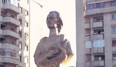 Bustul lui Mihai Eminescu din Ploiesti