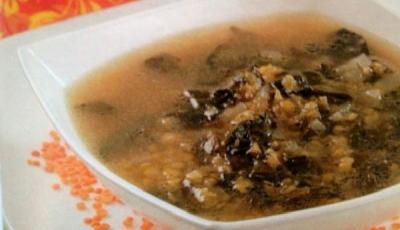 Supa de linte cu stevie