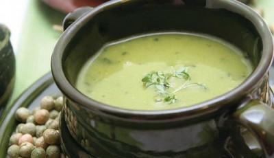 Supa de mazare cu fulgi de ovaz