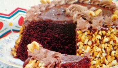 Tort cu ciocolata si alune