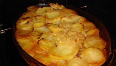 Musaca de cartofi cu ou